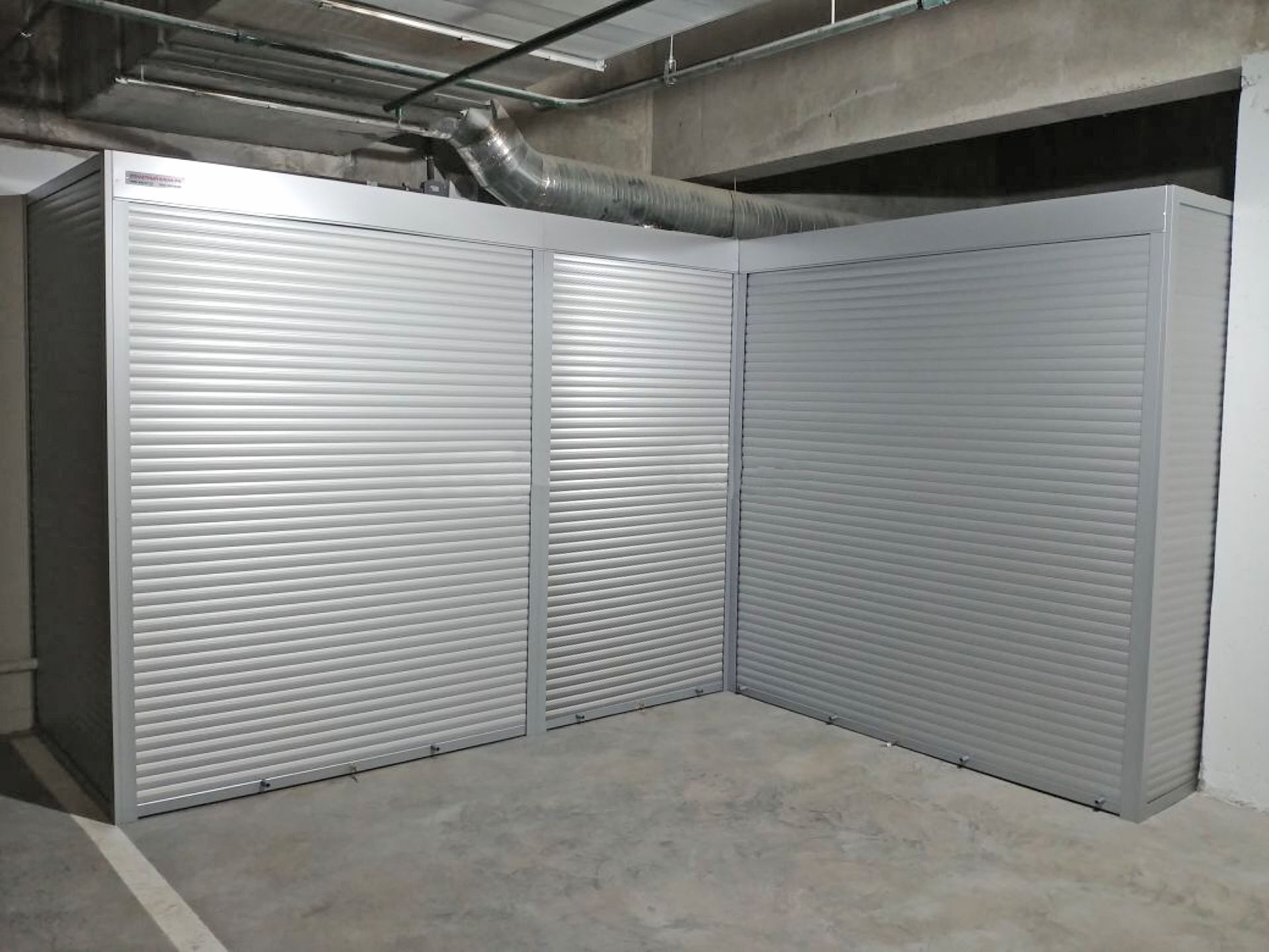 Роллетный шкаф для гаража
